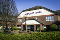 Mercure Dartford Brands Hatch Hotel and Spa 1