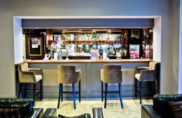 Wards Hotel bar